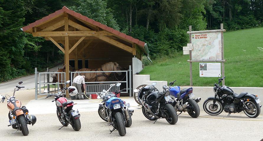 Le saut du Doubs et nos amis motards.
